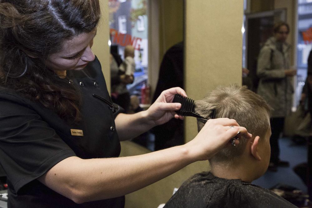 Friseursalon: Neuer Haarschnitt